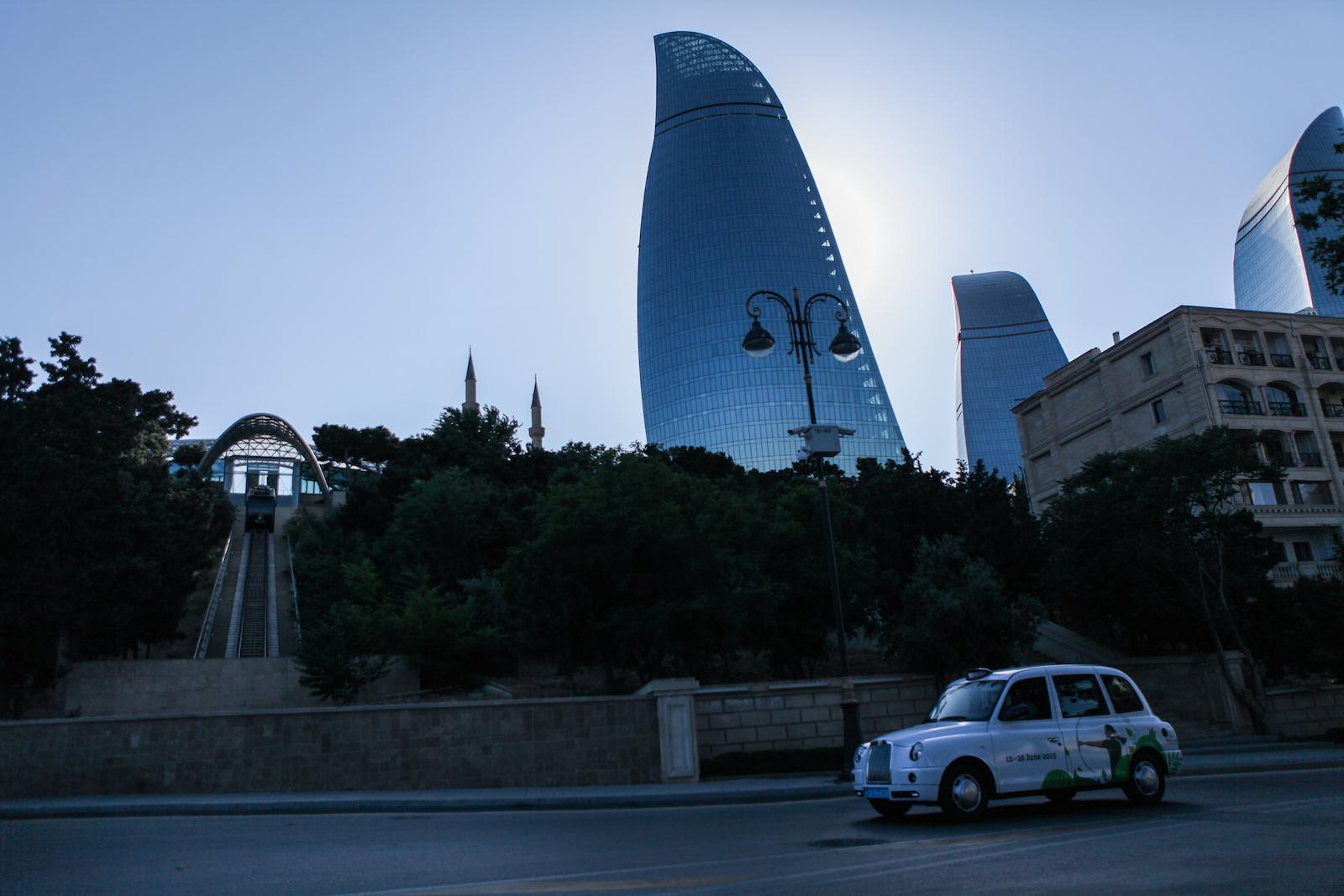 Les Flame Towers, inaugurées en 2012, surplombent la baie de Bakou. Le symbole du renouveau urbain.