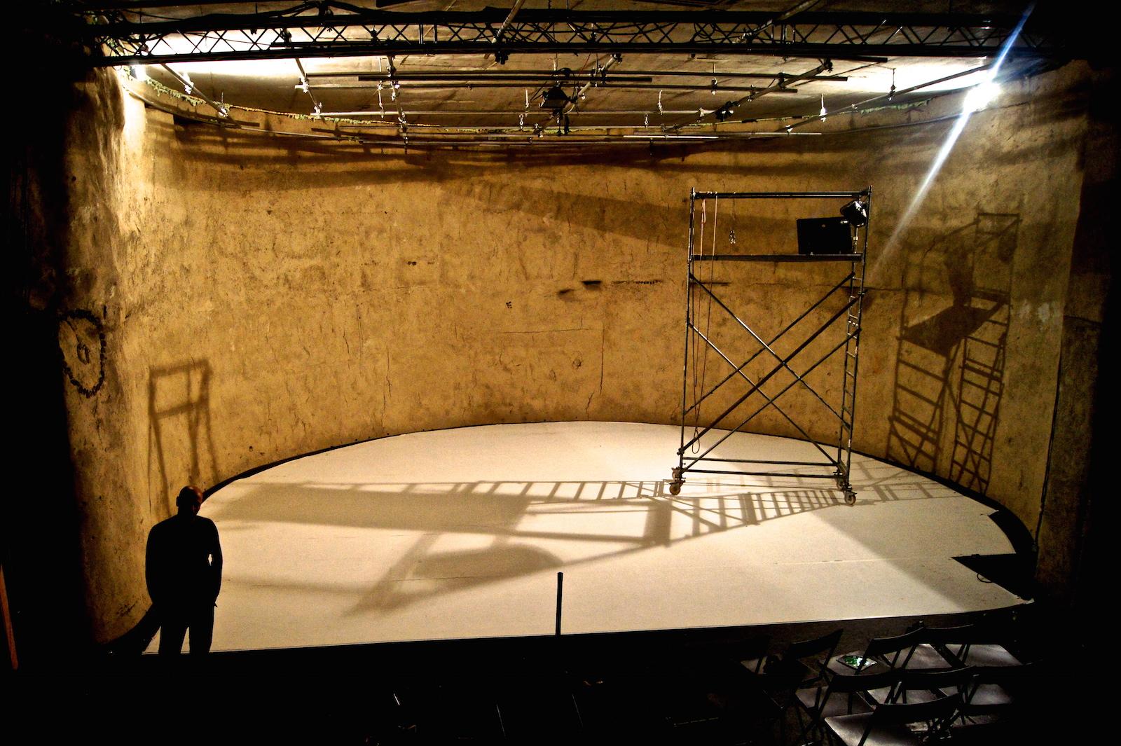 La salle de spectacle en pleine réfection.