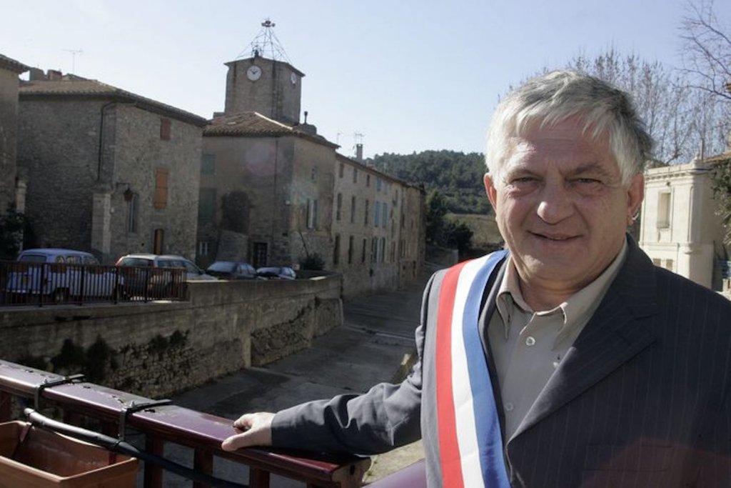 Gérard et son village.