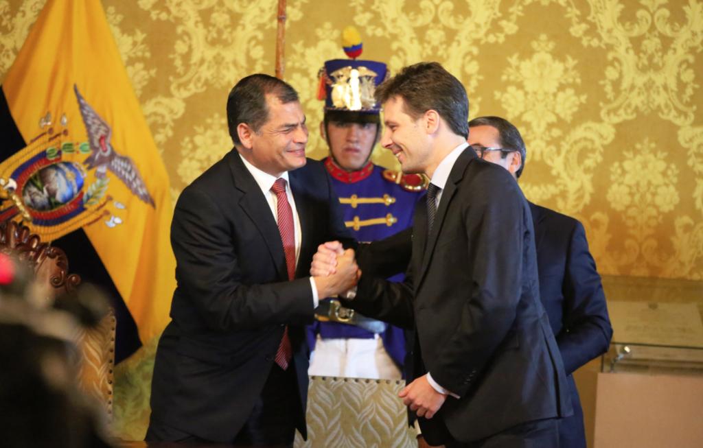 La nomination de Guillaume Long au poste de ministre de la Culture  par le président équatorien, Rafael Correa, le 15 mars 2015.
