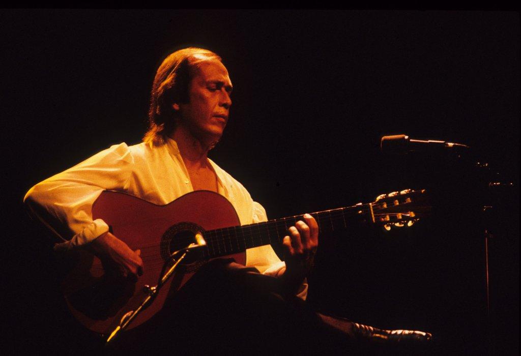 Paco de Lucia au Théâtre St-Denis, le 5 juillet 1986 (photo: Denis Alix).