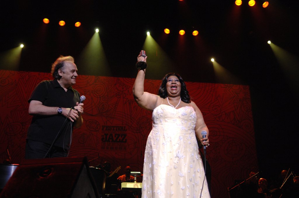 Aretha Franklin et André Ménard - Salle Wilfrid-Pelletier, le 3 juillet 2008 (photo: Victor Diaz Lamich).